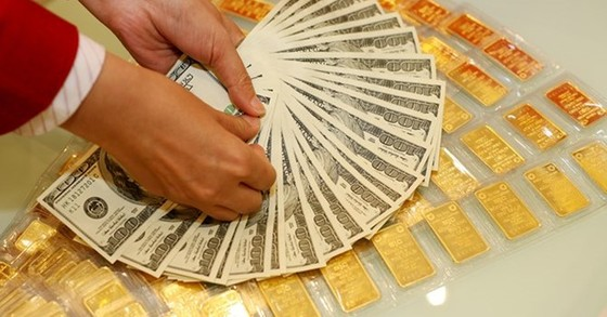 Sáng 31-8: giá vàng giảm, USD tăng ảnh 1