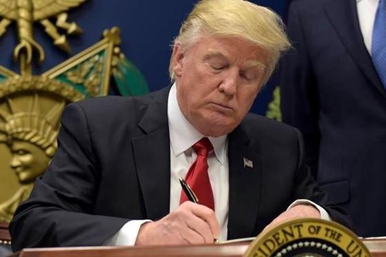 Trump sắp ký sắc lệnh mới liên quan nhập cư ảnh 1