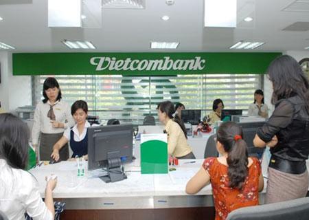 """Vietcombank-""""bà đỡ"""" ngân hàng yếu kém ảnh 1"""