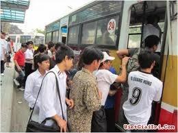 TPHCM: Xây bãi giữ xe miễn phí cho người đi xe buýt ảnh 1