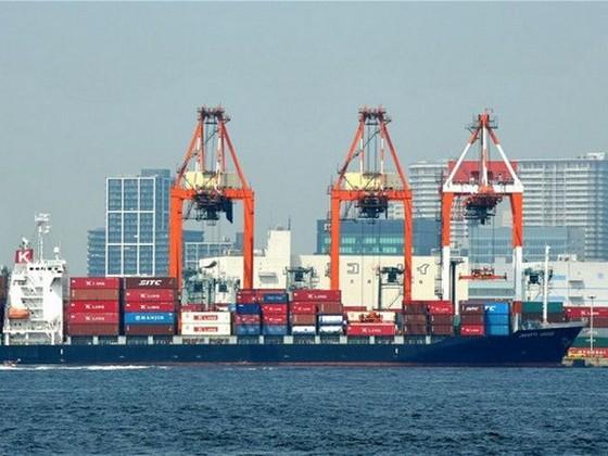Thâm hụt thương mại Anh giảm mạnh ảnh 1