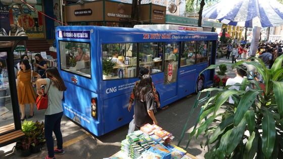 TPHCM ra mắt xe buýt sách ảnh 3