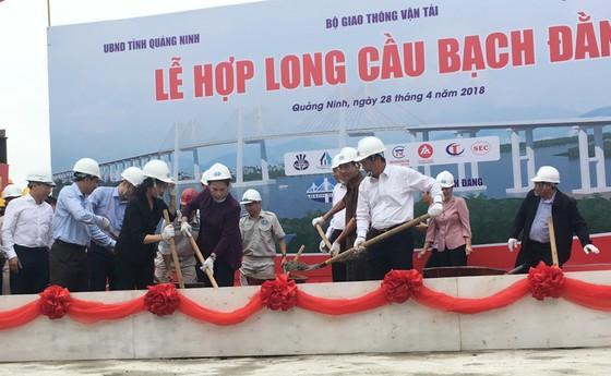 Hợp long cầu Bạch Bằng nối tỉnh Quảng Ninh và TP Hải Phòng ảnh 1