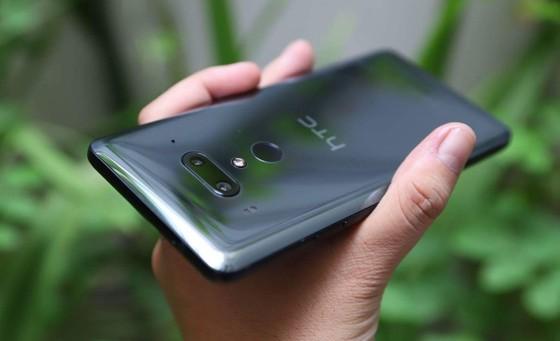 HTC U12 plus bán ở Hoàng Hà Mobile giá gần 20 triệu đồng ảnh 1