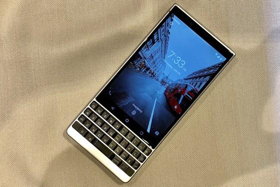 BlackBerry KEY2 giá gần 17 triệu đồng ảnh 2