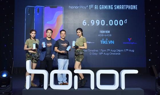 Honor Play, chiếc di động chơi game giá tốt ảnh 2