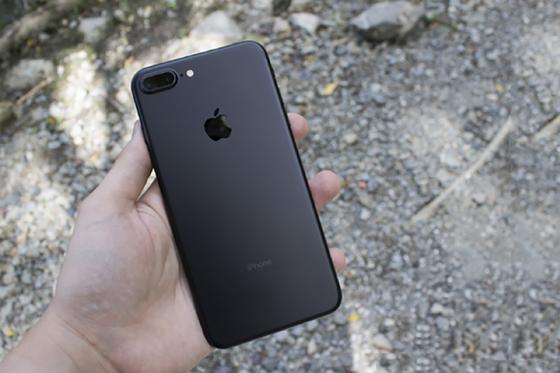 Những chiếc điện thoại cao cấp bạn có thể mua làm quà 20-10   ảnh 1