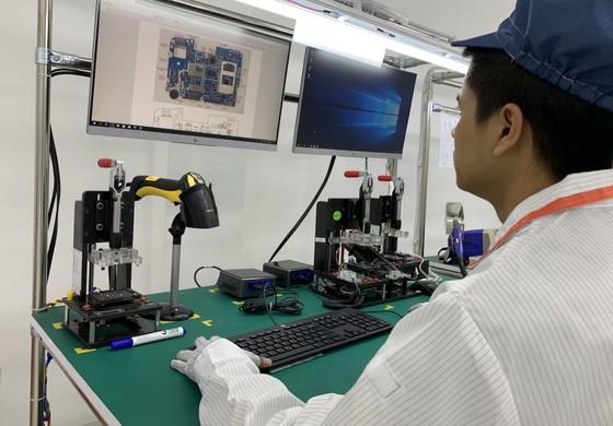 Nhà máy sản xuất di động Vsmart của Vingroup hiện đại đến đâu? - 249081