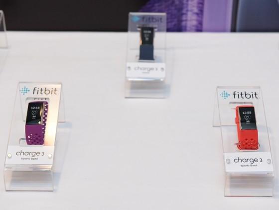 Fitbit Charge 3 giá thấp nhất gần 3,8 triệu đồng ảnh 2