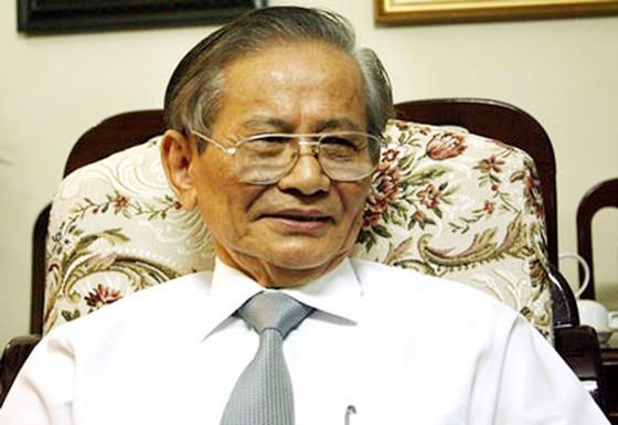 Giáo sư Phan Huy Lê, cây đại thụ của nền sử học Việt Nam qua đời ảnh 1