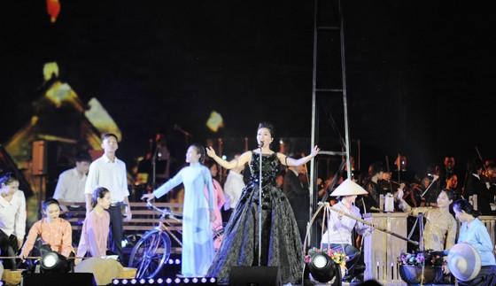 Mãn nhãn với bữa tiệc âm thanh và ánh sáng tại Hoàng thành Thăng Long ảnh 2