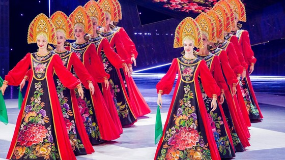 Nghệ sĩ nhà hát Múa hàn lâm quốc gia Mátxcơva đến Việt Nam ảnh 1