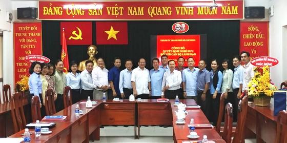 Thành ủy TPHCM trao quyết định nghỉ hưu cho đồng chí Nguyễn Hữu Nhân ảnh 2