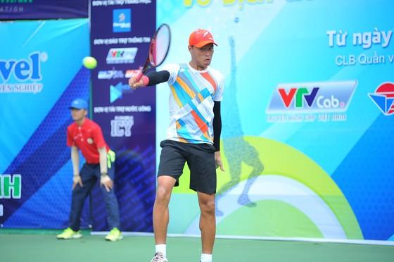 Phạm Minh Tuấn vơi chức vô địch đơn nam