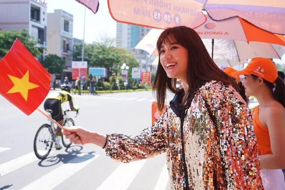 Cúp Truyền hình TPHCM 2018: Nguyễn Thành Tâm đòi lại áo vàng ảnh 1