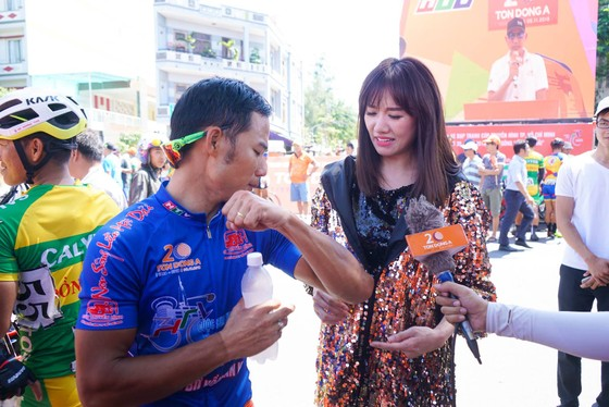 Cúp Truyền hình TPHCM 2018: Nguyễn Thành Tâm đòi lại áo vàng ảnh 3