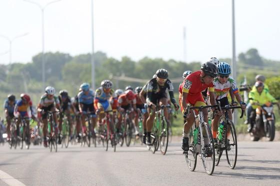 Cuộc đua xe đạp quốc tế Về Nông thôn 2018: Phan Hoàng Thái giành cú đúp ở chặng mở màn ảnh 1