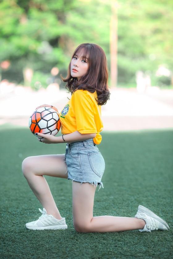 """Hot girl Nguyễn Ngọc Anh: """"Không muốn Neymar tịt ngòi giống Messi"""" ảnh 3"""