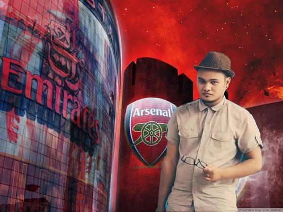 Vinh Râu là một fan cuồng của đội Arsenal.