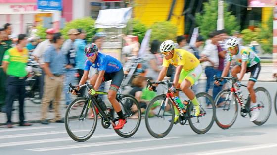 Màn độc diễn của tay đua Tây Ban Nha Nieto ảnh 1
