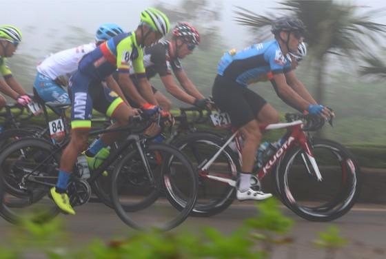 Cuộc lật đổ áo xanh thành công của tay đua Hàn Quốc ảnh 2