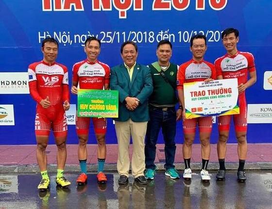 TPHCM với chiếc huy chương vàng thứ 5 nội dung đồng đội tính giờ 4 km.
