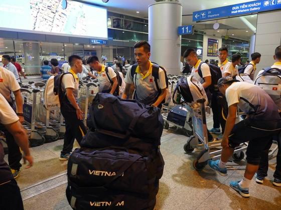 Đội tuyển futsal Việt Nam trãi qua hành trình di chuyển vất vả để đến Turkmenistan