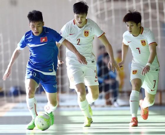 Hai đội Việt Nam và Trung Quốc trong lần gặp nhau trước giải vô địch châu Á 2016 tại Uzbekistan