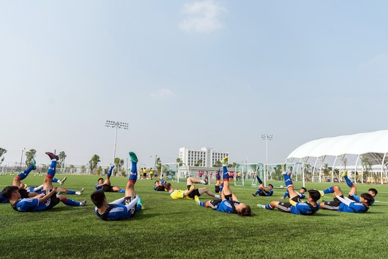 Vingroup khánh thành Trung tâm đào tạo bóng đá hàng đầu Đông Nam Á ảnh 2