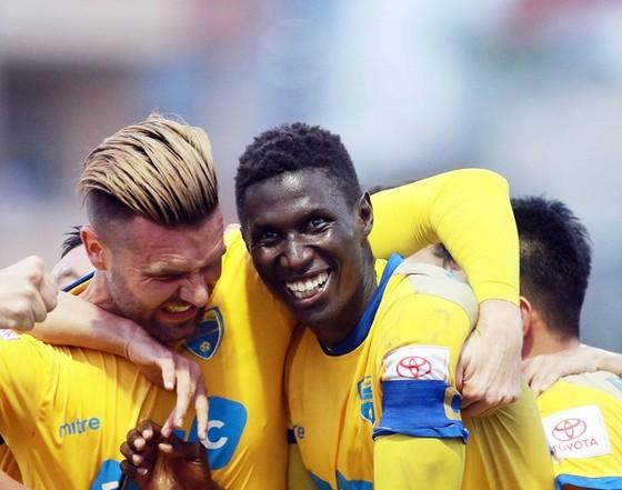 Omar góp công lớn vào thắng lợi của đội bóng xứ Thanh. Ảnh: MINH HOÀNG