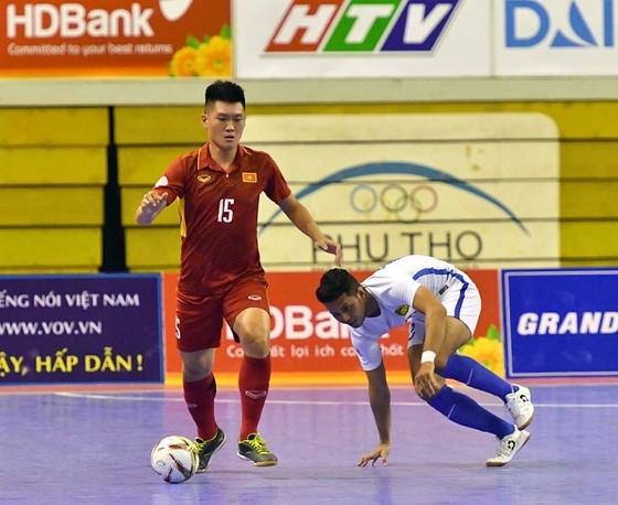Giả bóng vàng futsal 2017: Lần đầu cho Đình Hùng, Trí Kiệt và Quốc Hưng ảnh 1