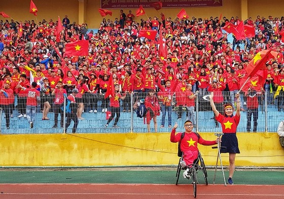 Không khí cổ vũ tại Hà Nội: Cảm xúc lẫn lộn ảnh 1