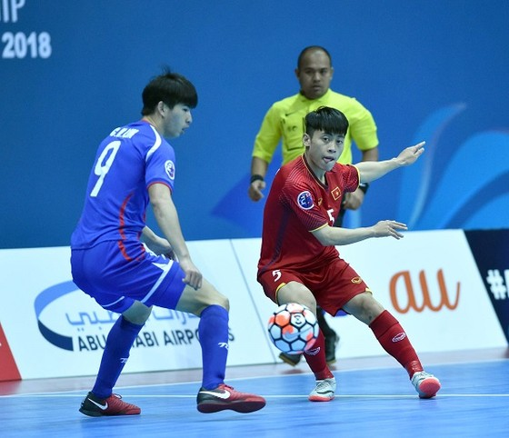 Đội tuyển futsal Việt Nam ngược dòng vào Tứ kết ảnh 1