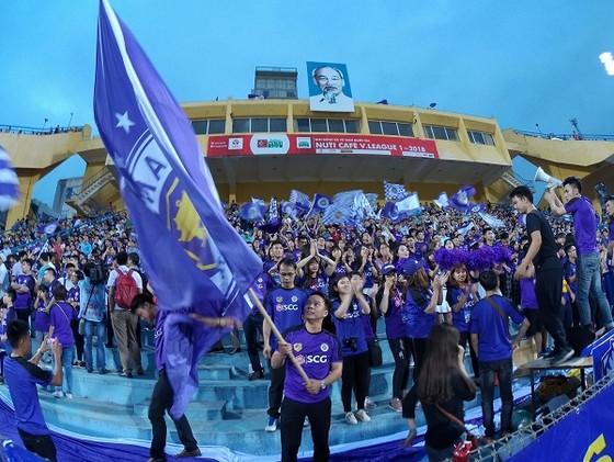 Nuti Cafe V-League 2018: HA.GL vỡ trận trên sân Hàng Đẫy ảnh 1