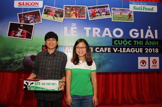 Trao giải cuộc thi ảnh Nuti Café V-League 2018 ảnh 1