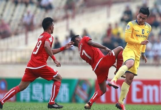 Các CLB Việt Nam đang thụt lùi ở sân chơi châu lục ảnh 1