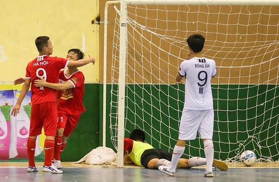 Giải bóng đá trẻ em có hoàn cảnh đặc biệt: Quyết liệt 2 trận bán kết ảnh 1