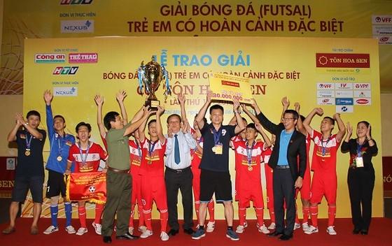 Hà Nội vô địch giải bóng đá Trẻ em có hoàn cảnh đặc biệt 2018 ảnh 1