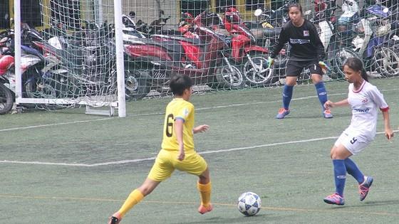 Trường Văn Lang vô địch giải bóng đá nữ THCS TPHCM 2018 ảnh 1