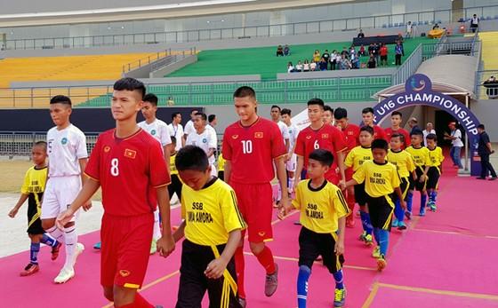 Đội U16 Việt Nam không thể vượt qua đội chủ nhà. Ảnh: VFF
