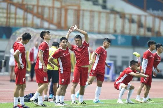 Việt Nam - Nepal 2-0: Bắt kịp ngôi đầu cùng Nhật Bản ảnh 1