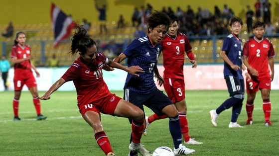 Nhật Bàn (áo xanh) thắng cách biệt 2-0 trước Thái Lan. Ảnh: AFC