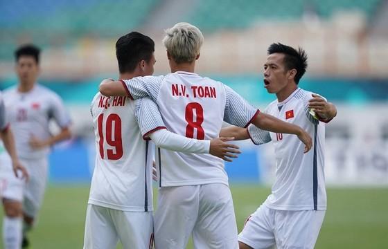Việt Nam - Nhật Bản 1-0: Quang Hải lập công, Việt Nam giành ngôi đầu bảng ảnh 2