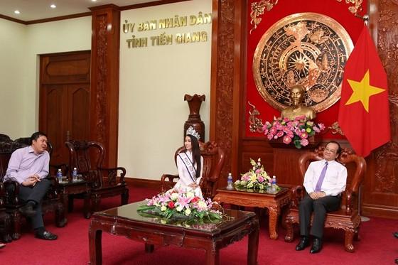 Hoa hậu đại sứ du lịch thế giới Phan Thị Mơ về thăm Tiền Giang ảnh 1