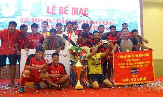 Bình Hòa-TPK lần thứ 3 liên tiếp vô địch giải bóng đá Thành phố mới Bình Dương ảnh 6