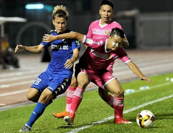 Nuti Cafe V-League 2018: Chào đón tân vương ảnh 2