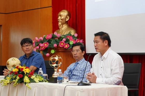 Họp báo công bố Giải thưởng Quả bóng Vàng Việt Nam 2018 ảnh 6