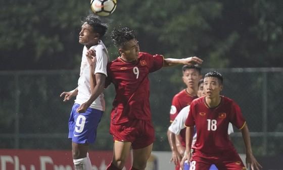 U16 Việt Nam bất ngờ để thua Ấn Độ ở trận ra quân. Ảnh: Đoàn Nhật