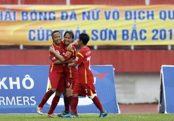 Đội TPHCM I thắng cách biệt 4-0 trước TKS.Việt Nam. Ảnh: DŨNG PHƯƠNG