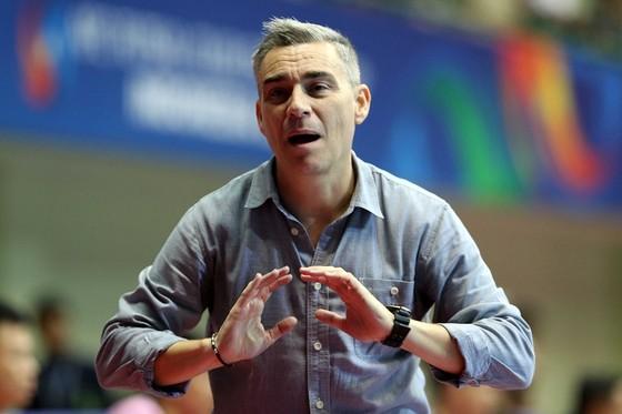 HLV Miguel Rodrigo. Ảnh: ANH TRẦN